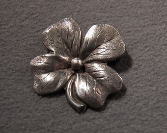 Vintage Sterling Silver Delightful Floral Brooch, So Versatile Jewelry Pin **RL