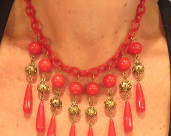 Fabulous vintage Art Deco era cherry red celluloid bakelite filigree bead drippy tear drop bib statement necklace