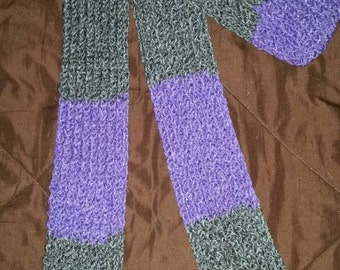 Grey and light purple scarf