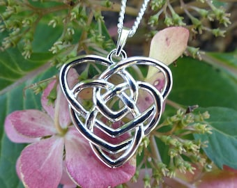 Celtic Motherhood Knot Necklace, Irish Motherhood Knot Necklace, Motherhood Knot Pendant