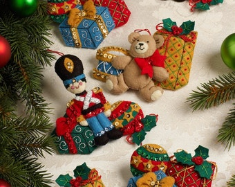 Bucilla Under The Tree ~ 6 Pce. Felt Christmas Ornament Kit #86313 DIY