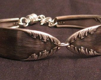 Silverware bracelet with adjustable magnetic clasp