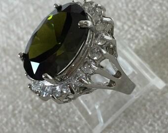 Faux peridot ring size 8