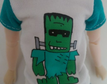 White Isul T-shirt with Frankenstein