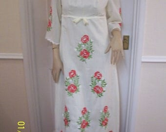Beautiful Cream Embroidered Authentic Vintage 60's Evening/Event/Occasion Dress Sz 8 * Pristine