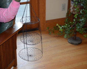 Vintage wire 3 circle hanging vegetable/craft item organizer/holder/container