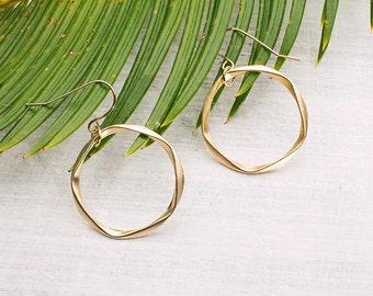 Geometric earring circle