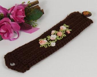 Armband mit Bulliion Knoten, Manschette Blumenstickerei, Häkelarmband mit Knopf