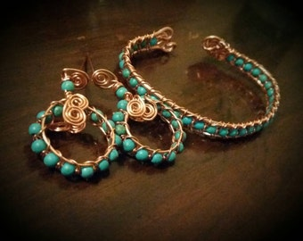 Howlite (man made turquiose) and natural copper hoop earrings.