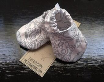Baby  Kicks - Natural Floral