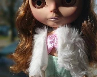 Custom Blythe cinamon girl