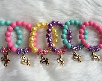 Unicorn party favor bracelet.. Unicorn charm bracelet.. Unicorn party.. Unicorn party favor.. Unicorn birthday party