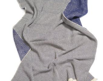 Faro - Unique double-sided 100 % merino wool blanket