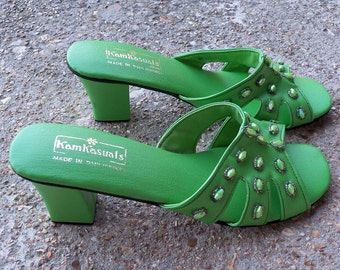 Snazzy Vintage KamKasuals Green Beaded Hawaii Open Toe Shoes – Size 7