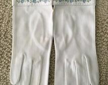 Vintage white gloves,  dead stock dress gloves, embroidered blue flowers, 50s gloves