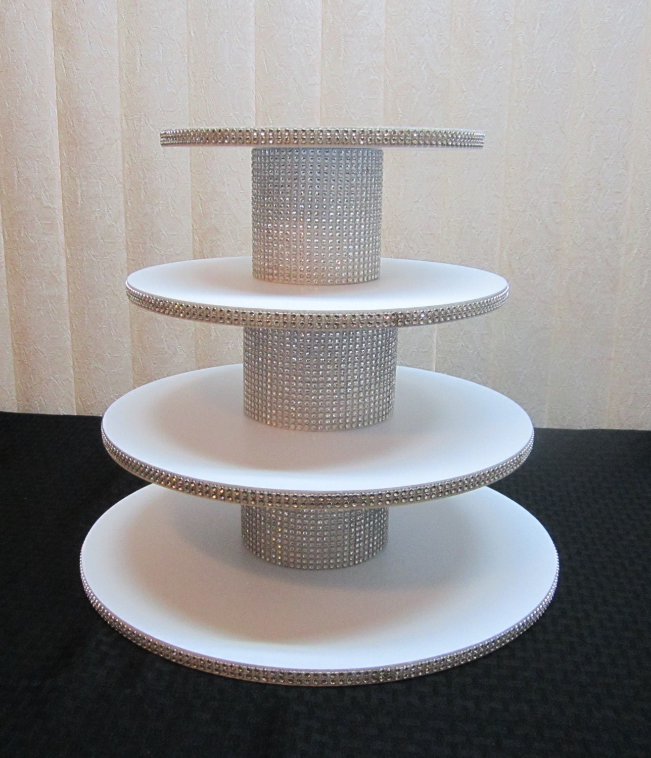 4 tier round wedding cake stand 35 45 cupcakes 4 tier or square cupcake stand silver 10381