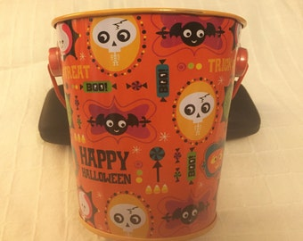 Free Shipping* Vintage Halloween Tin Trick or Treat Candy Bucket