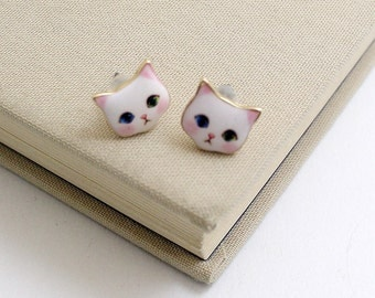 Free shipping,Cat Stud Earrings,very cute ,Cat earrings Cute ,cat post earrings Gift idea,for you