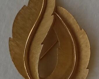 Vintage  Crown Trifari pin/brooch brushed/shiny  gold tone folded leaf shaped
