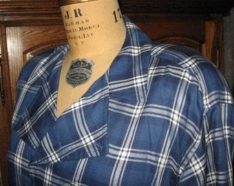 Liz Claiborne ~ Vintage ~ Plaid Blouse ~ Women's Size L ~ 100% Rayon ~