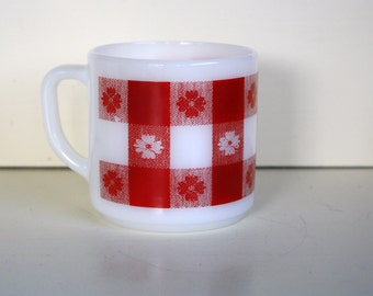 Federal Glass Red White Milk Glass Mug Coffee Tea Oil Cloth Pattern