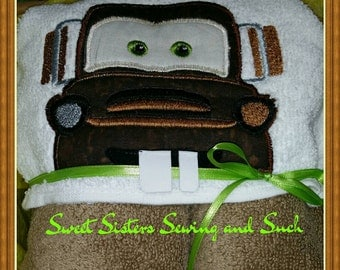 Tow Mater' hooded towel