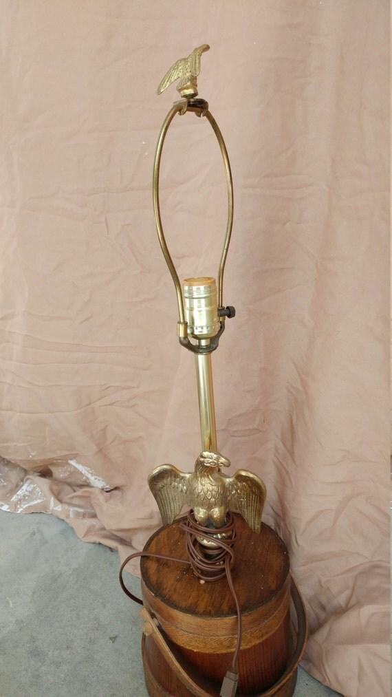 Eagle table lamp