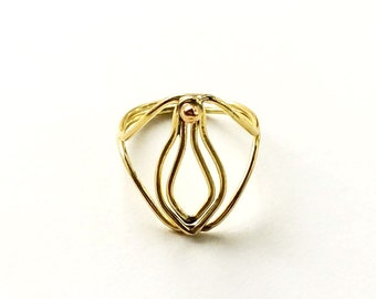 Little V Ring