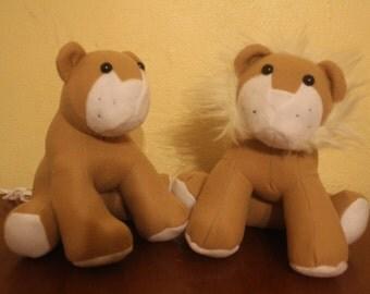 Male and female plush stuffed lion pair/animal