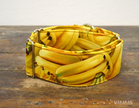 Martingale dog collar model Banana. Adjustable and handmade with 100% cotton fabric.Fruity style Wakakan