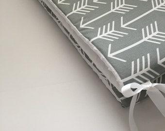 Crib Bumper - Grey Arrows with White Minky