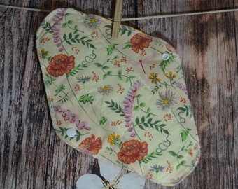 11.5″ Large Pad – Moderate to Heavy Flow – Summer Floral