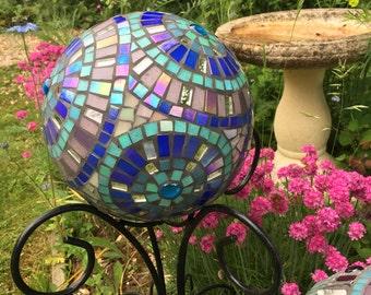 Garden mosaic ball