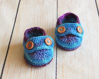 Baby Loafers - Baby boy crochet shoes - Newborn slippers - Baby button loafers - Bright blue infant shoes - Ready to ship