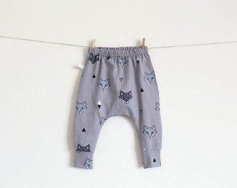 Baby infant harem pants with foxes. Gray jersey knit. Slim fit harem pants with cuffs. Jersey knit fabric. Infant pants. Geometric