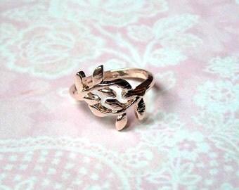 filigree ring gold leaves