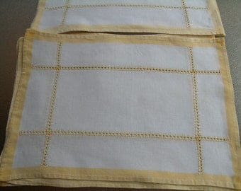 12 vintage linen cotton placemats yellow border crochet accent
