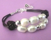 FREE SHIPPING : beads bracelet and knots