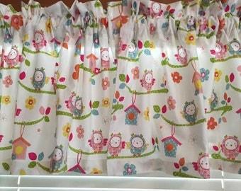 "Baby Birds & Birdhouses  Nursery Window Valance ~ 42"" wide"
