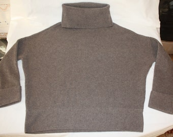 New Cashmere High Turtle Neck Taupe Sweater size 12