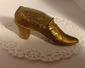 Antique Yellow Metal Shoe Pin Cushion