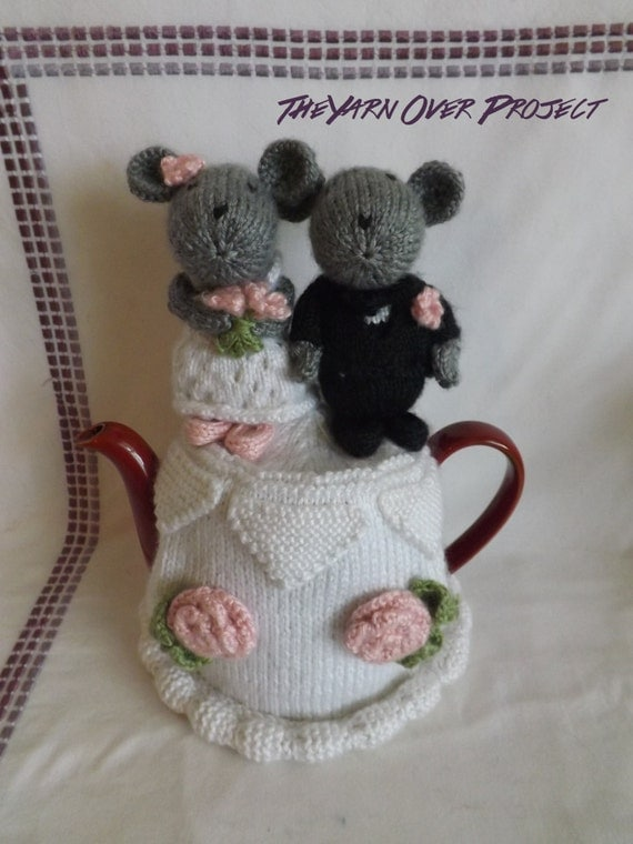 knitted mice wedding cake toppers knit wedding cake teapot cozy knit mice cake toppers teapot 16653