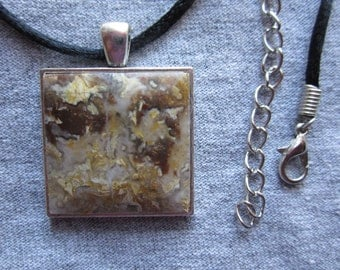 PLUME AGATE  NECKLACE