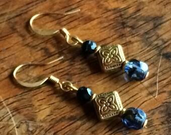 3949 - Czech glass Earrings