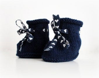 Knitting | Navy blue baby booties | Size 3 months