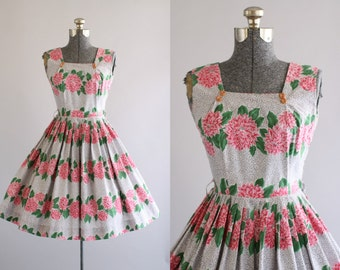 Vintage 1950s Dress / 50s Cotton Dress / Pink and Green Dahlia Border Print Dress XS