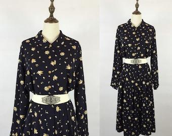 30% Off Summer Sale / Vintage Floral Navy Dress / Garden Dress / Blue Day Dress / Made in Korea / Size Medium