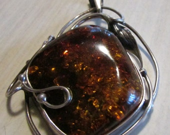 Sterling Silver and Amber Pendant with Art Nouveau Design