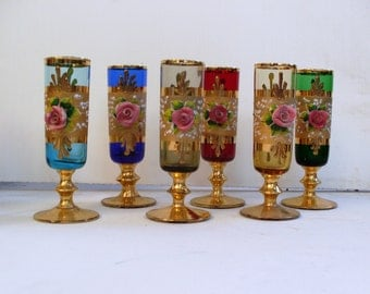 6 bicchieri MURANO, 6 glasses MURANO hand painted with pure gold and embossed flowers of porcelain, gold sequin decoration and small roses