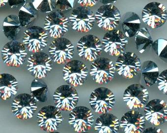 1028 SS34 CC***  8 Swarovski rhinestones point back SS34 (7,2mm) crystal  comet argent light (CAL)